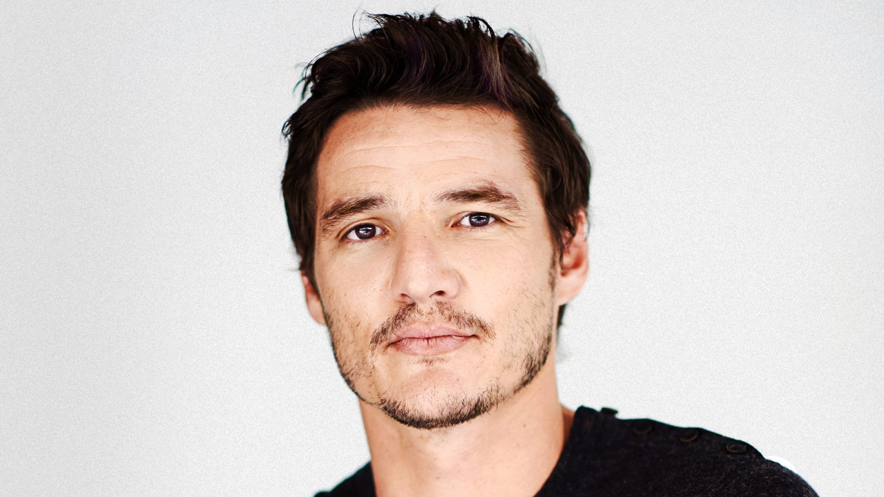 the-mandalorian-pedro-pascal-tall.jpg