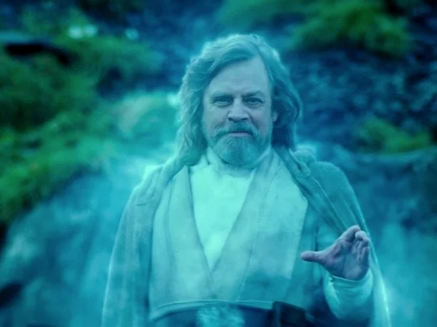 Mark_Hamill_Luke_Force_Ghost_Rise_of_Skywalker.jpg